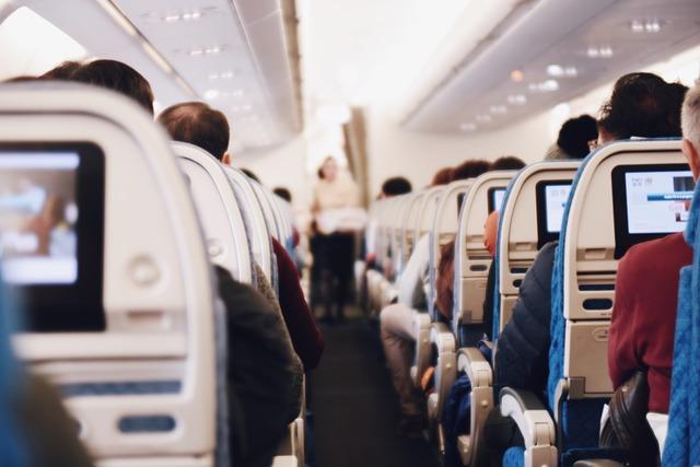 Авиаперелет в США - в салоне самолета