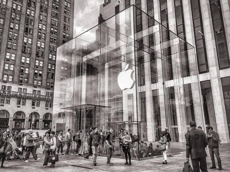 Магазин Apple Store на 5 авеню в Нью-Йорке