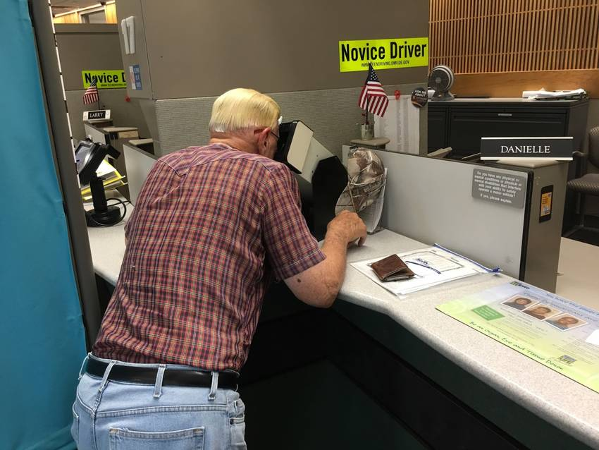 Проверка зрения в DMV при подаче на американские водительские права