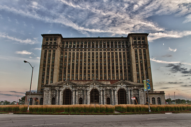 Заброшенный вокзал в Детройте