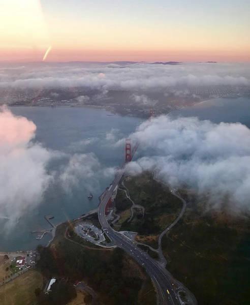 Туман Сан-Франциско из окна самолета